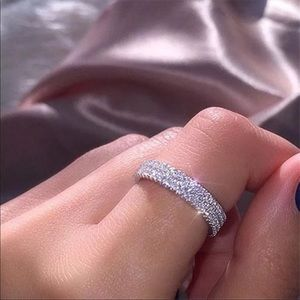Brand new women's bridal exquisite crystal ring